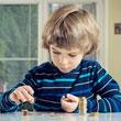 Adni vagy nem adni – mire tanít a zsebpénz?